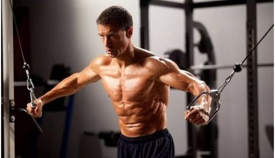 Hand dumbbell exercises. Common mistakes and their solutions